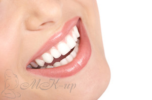 Розовая губная помада Мери Кей