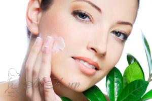 Нанесение дневного крема для лица