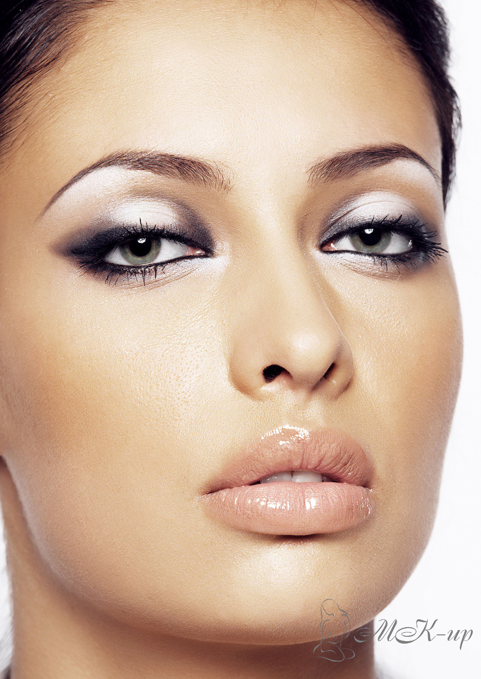 Как в домашних условиях сделать хороший макияж