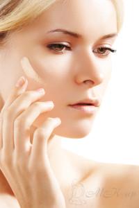 Как наносить тональный крем руками