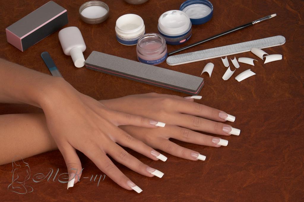 Ногти покрытые гелем с рисунком 45