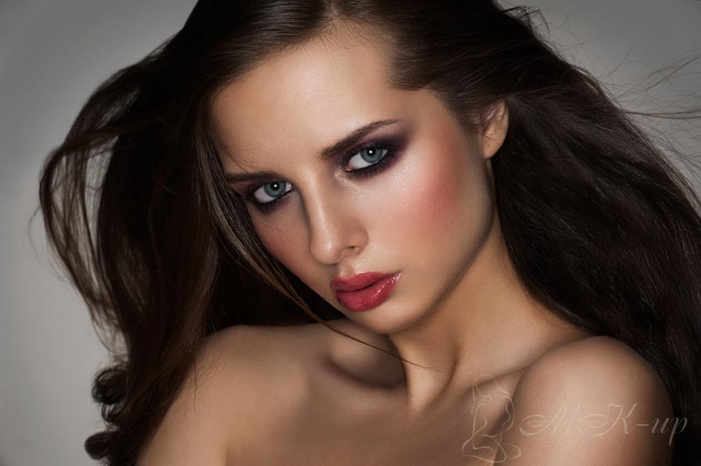 Смуглые брюнетки с карими глазами голые фото 10 фотография